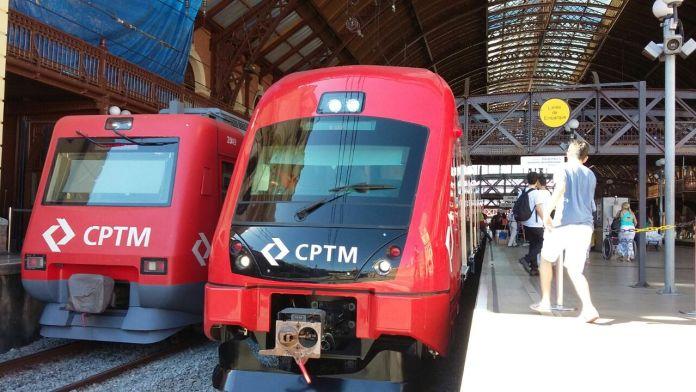 Trem série 8500 estacionado na plataforma da Estação Luz (Foto: CPTM Noticiando)