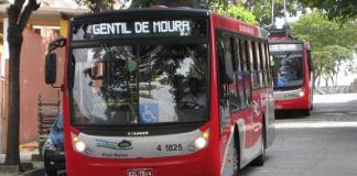 trólebus frota de ônibus