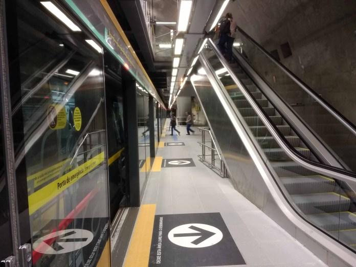 Taboão da Serra Linha 4-Amarela Plataforma da Estação São Paulo-Morumbi