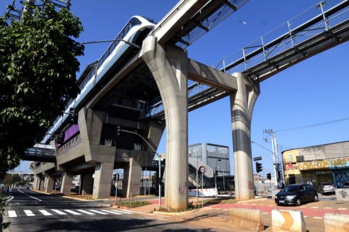 Estação Jardim Planalto por baixo