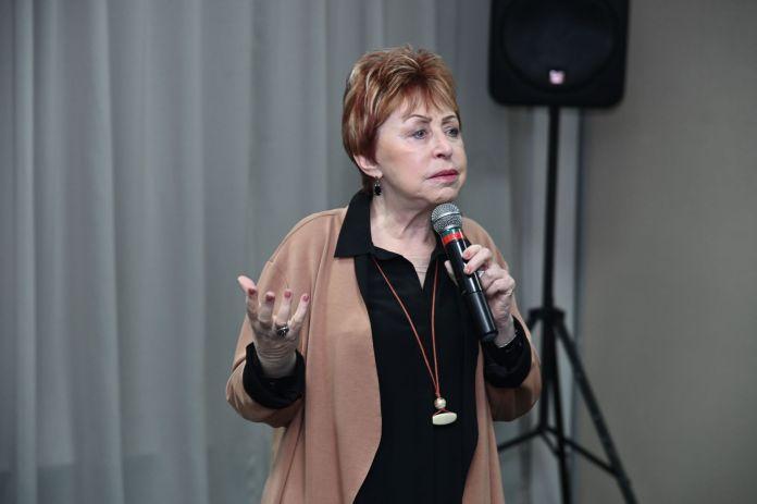 Valeska Peres Pinto