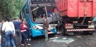 Acidente na Estrada do Cabuçu