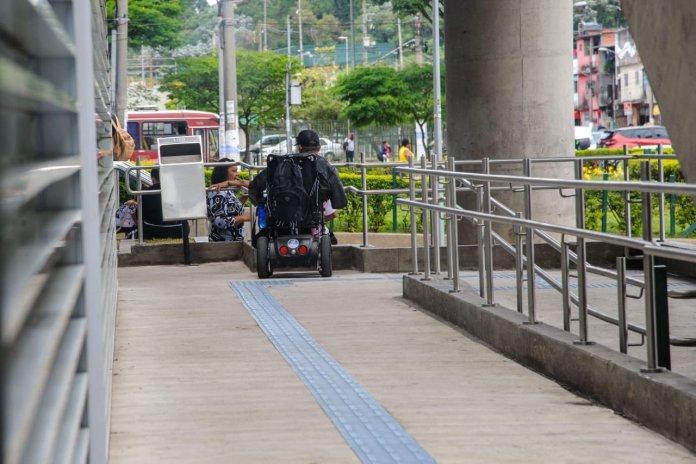 Cadeirante Estação Capão Redondo