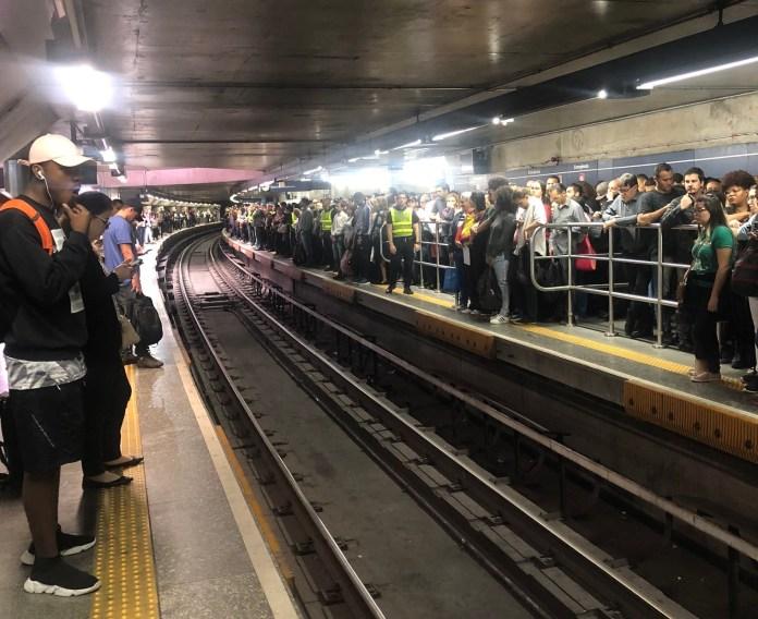 Falha na Linha 1-Azul