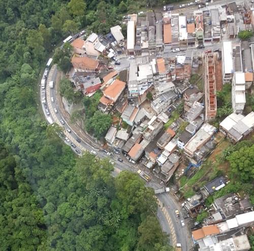 Acidente Avenida Raimundo Pereira de Magalhães