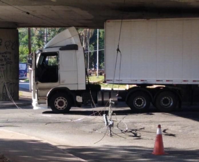 Caminhão Metra