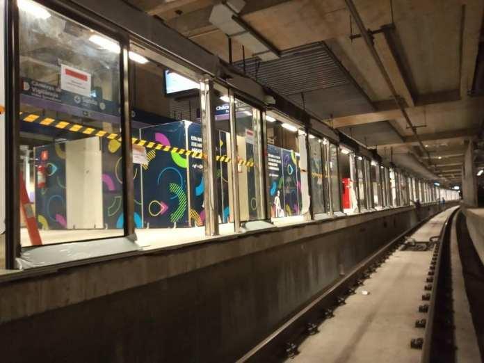 Portas de plataforma Linha 5-Lilás Estação Alto da Boa Vista