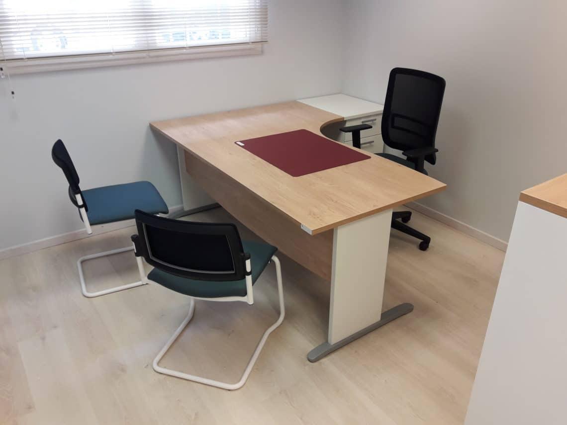Aménagement des bureaux de l'agence du Mans d'un constructeur de maisons individuelles et de maisons bois