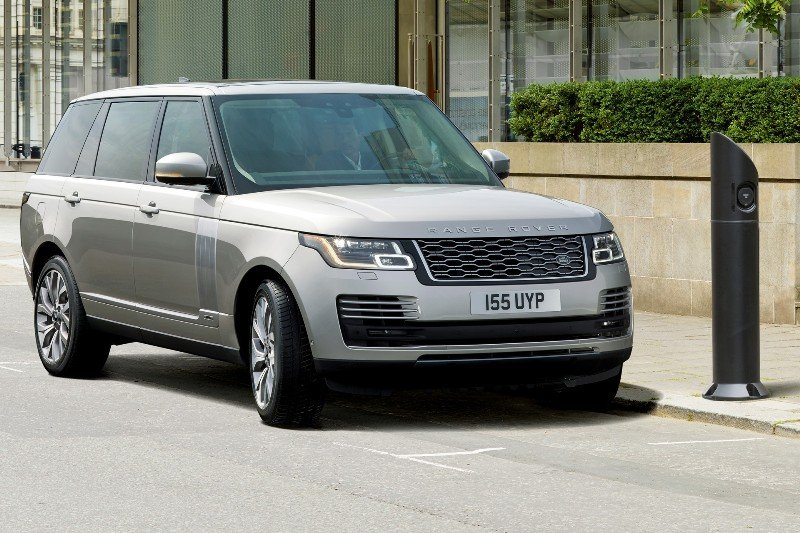 Land-Rover-Range-Rover-PHEV-P400e-ibrida-plug-in