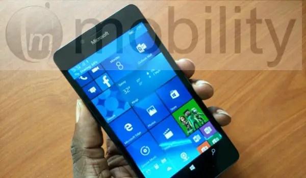 lumia950 in hand