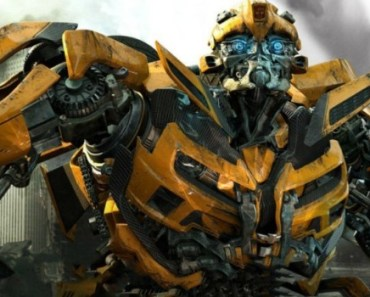 First look at Bumblebee in Transformers: The Last Knight 1