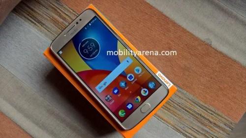 Moto E4 Plus on box