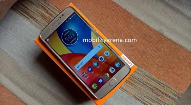 Moto E4 Plus Review - on box