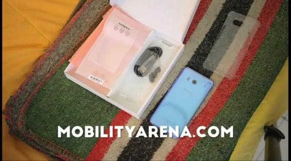 HTC U11 Review Box
