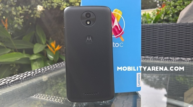 Moto C Plus box back