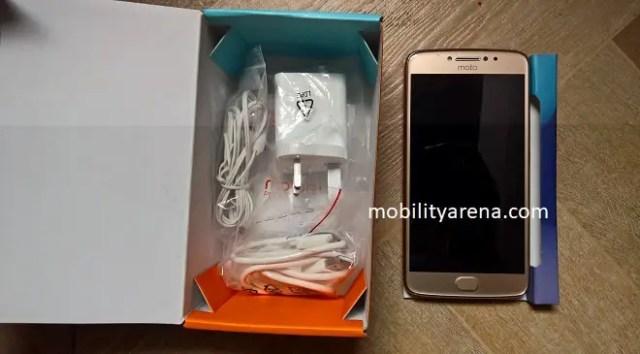 Moto E4 Plus Review Open Pack