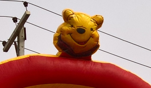 Lumia 950 bouncing castle crop