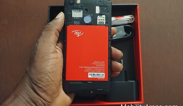 itel S32 unboxing photos box open accessories