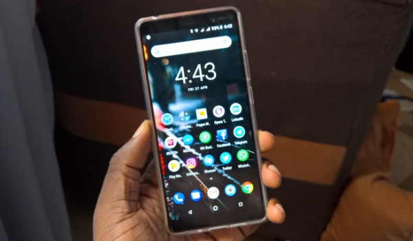 nokia 7 plus in hand with case