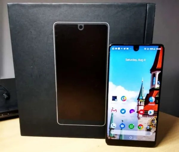 essential phone ph-1 box and device