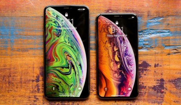 iPhone XS and XS Max Bezel-less phones
