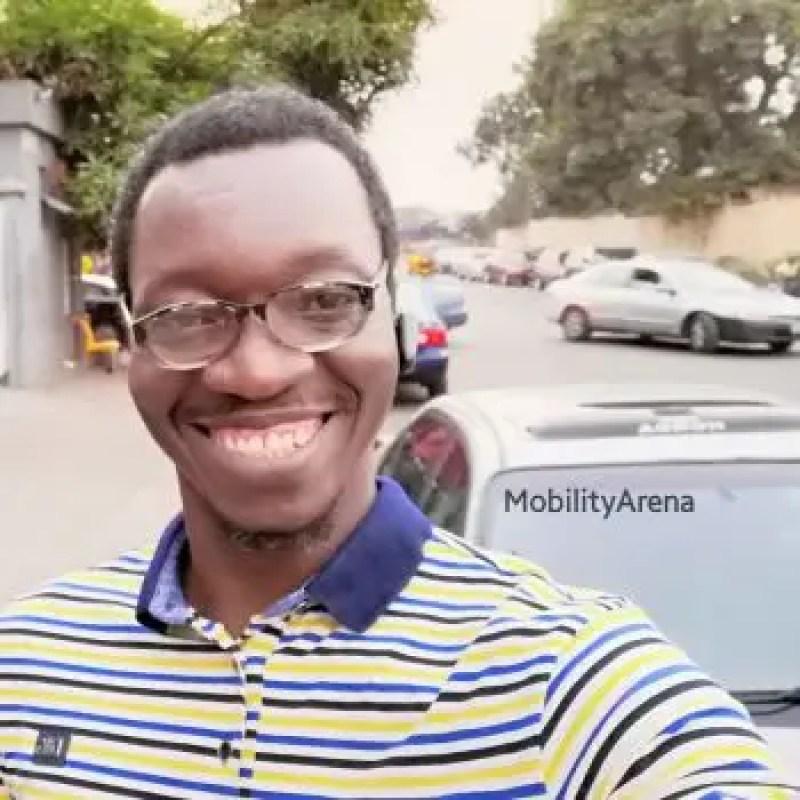 Huawei Nova 3i selfie outdoors