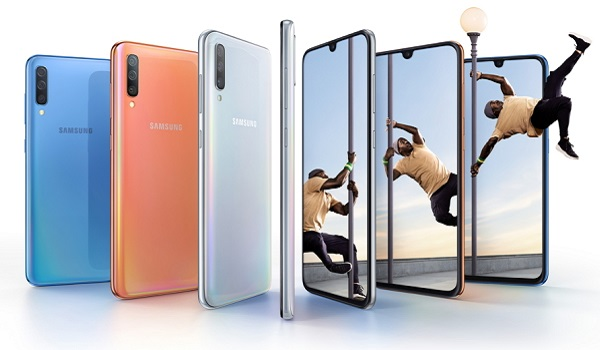 Samsung Galaxy A70 (Android 9 Pie smartphone) 4