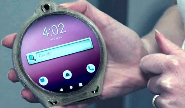 Cyrcle Phone is round and has two headphone jacks