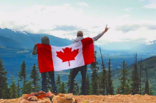 Mobilizers enjoying time off from their cool jobs in Valemount, British Columbia.