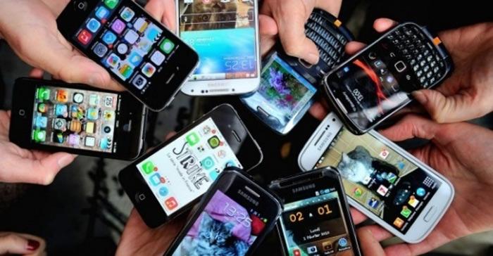 Küçük Cep Telefonları