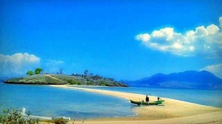 Pantai Lariti – Bima