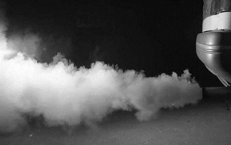 gambar mobil asap hitam