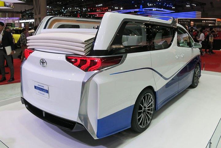 Tampilan Modifikasi  Toyota Alphard  Hercules Terlihat Horor