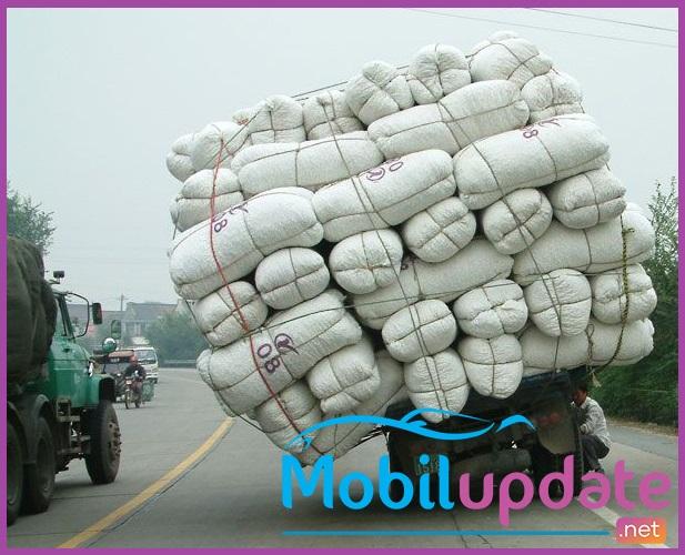 gambar truk dengan muatan penuh