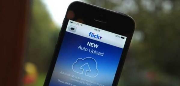 Flickr z funkcją auto upload na iOS-a 7