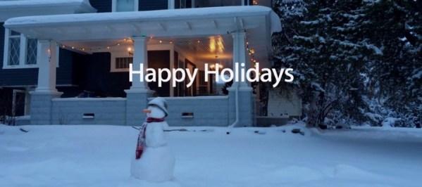 Reklama iPhone'a 5s w stylu świątecznym