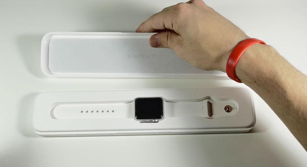 Jak zapakowany jest zegarek Apple Watch?