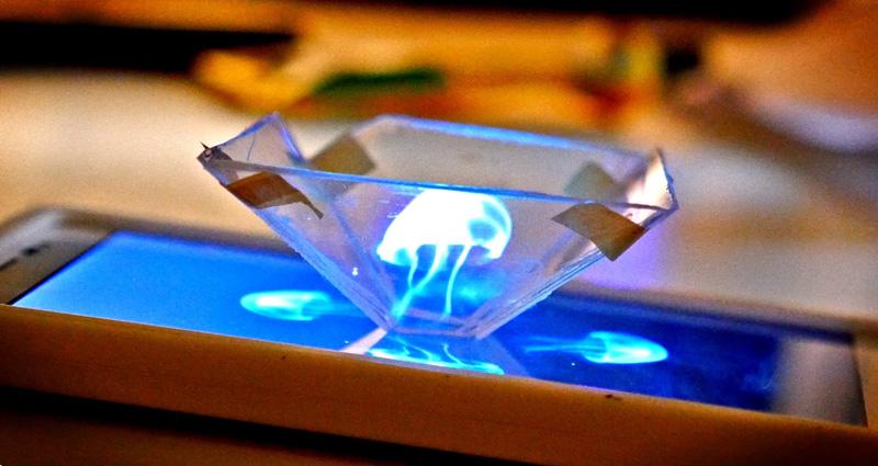 Smartfon jako projektor hologramów