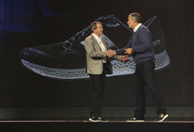 Buty New Balance z podeszwą wydrukowaną za pomocą technologii 3D dla prezesa Intela, Briana Krzanicha