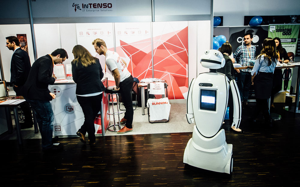 II edycja Targów IT Career Summit we Wrocławiu (2015), na zdjęciu robot Gienek firmy Intenso