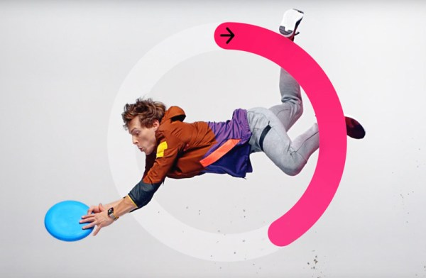 "Apple zachęca do ruchu: ""Close Your Rings – Catch, Swim, Play"""
