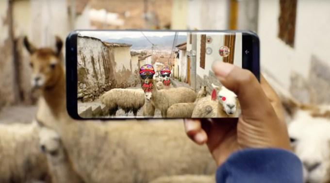 Screen z reklamy Samsunga Galaxy S8