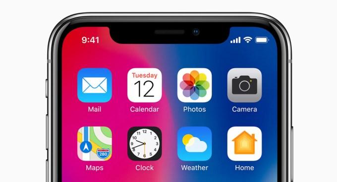 Brak nazwy operatora komórkowego na ekranie głównym iPhone'a X