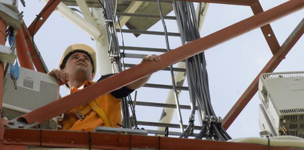 Orange ma już 10 tysięcy stacji bazowych dla sieci 4G