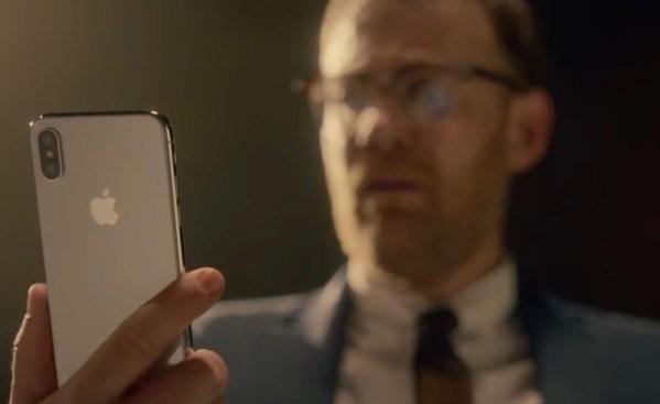 Apple żartuje, że właściciele iPhone'a X nie pamiętają hasła do bankowości