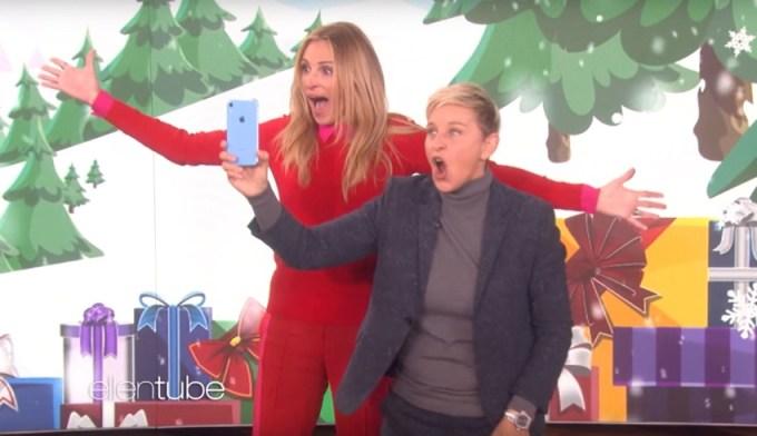 """Julia Roberts i Ellen DeGeneres promuja iPhone'a XR w """"The Ellen Show""""!"""