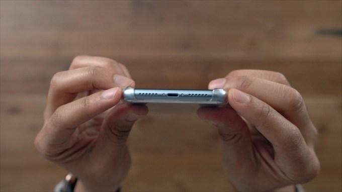 Ochrona dołu smartfona przezroczyste etui do iPhone'a XR