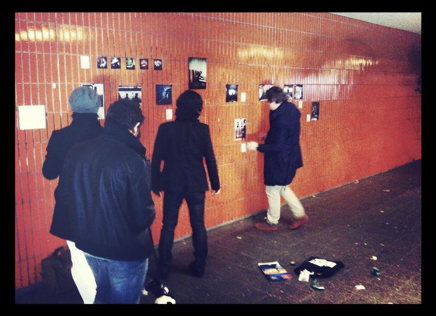 W 2010 roku współzałożyciel EyeEm zorganizował wystawę fotografii na berlińskiej stacji metra.