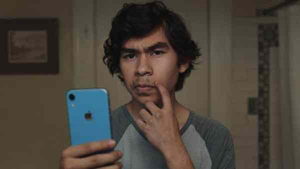 Apple mówi, że to Twoja sprawa ,czy golenie w wieku 15 lat jest normalne?