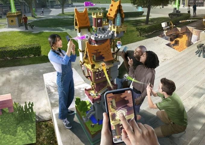 """Symulacja rozgrywki z """"Minecraft Earth"""""""